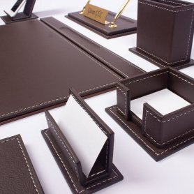 Set in pelle per tavolo da lavoro 14 pezzi accessori in colore marrone