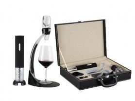 Exclusive wine briefcase set