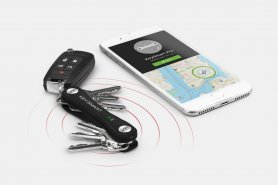 KeySmart Pro - key organizer with GPS locator and LED light
