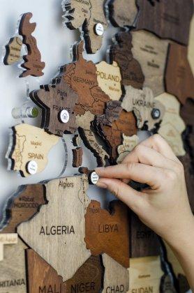 Különleges eseményekkel ellátott csapok 12 db fa térképeken