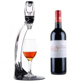 Magic wine decanter - a luxury aerator