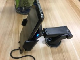 Mobilny uchwyt do samochodu - automatyczny bezprzewodowy Qi + czujnik podczerwieni i obrotowa podkładka 360 °