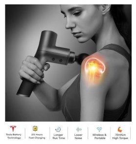 Pistola de masaje 3200 RPM con pantalla LCD en el estuche - 5 niveles de velocidad + 4 cabezales de masaje