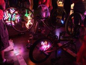 Monkey Lectric - LED-uri pe bicicletă - 10 sau 32 de LED-uri