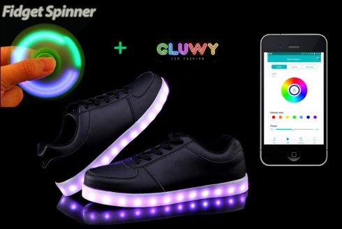 LED brillant chaussures de sport noir - une application mobile pour changer les couleurs