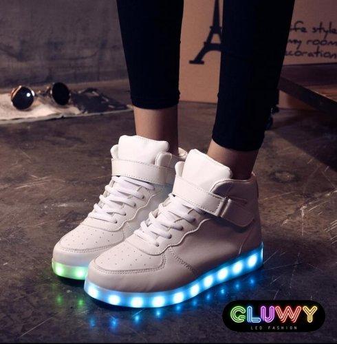 Svítící boty - přepínání barev přes MOBIL  ab47acd3b3