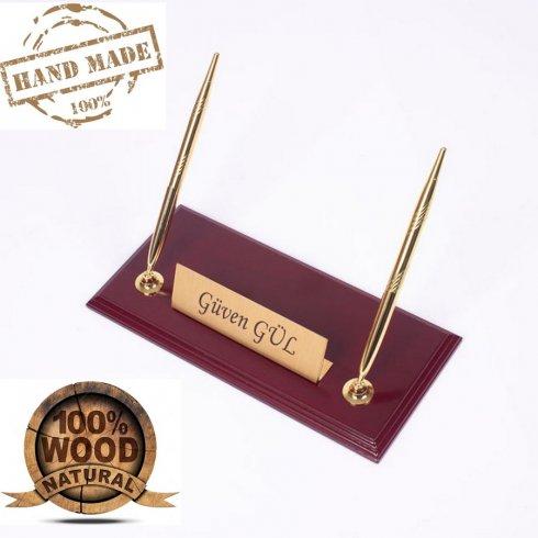 Suport pentru stilouri din lemn - lemn de Bordeaux + plăcuță de identificare din aur + 2 pixuri din aur