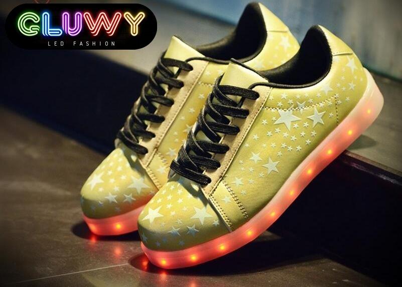 39ae098cfac Svítící boty s hvězdami - STARS zlaté