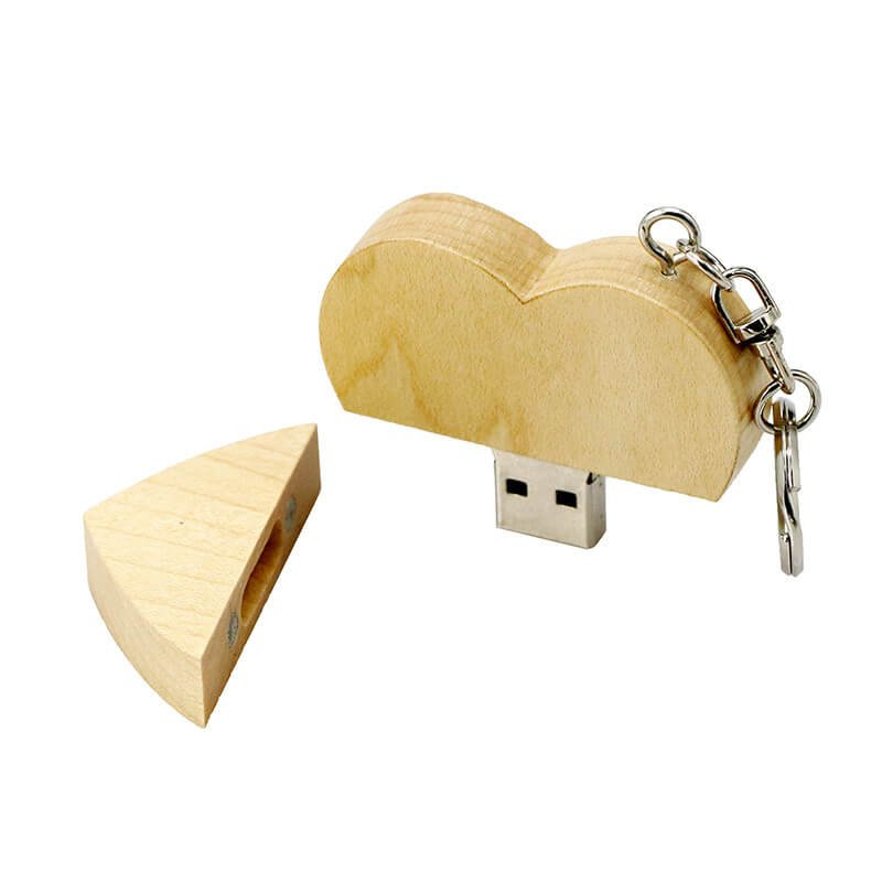 usb flash drive sous la forme d 39 un coeur en bois cool mania. Black Bedroom Furniture Sets. Home Design Ideas