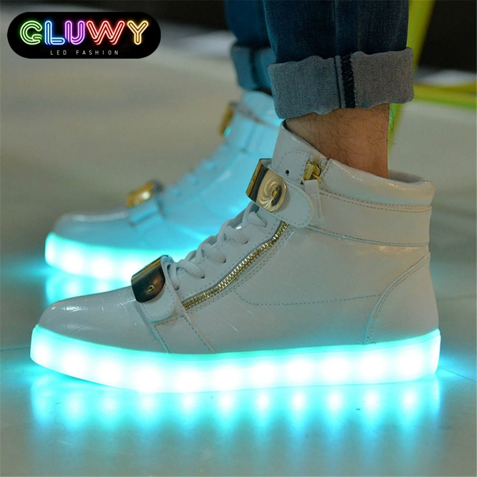 Großhandel 7 Farben LED Leuchtende Schuhe Unisex Led Sneaker Herren Damen Turnschuhe USB Ladekabel Licht Led Schuhe Für Erwachsene Led Schuhe Von