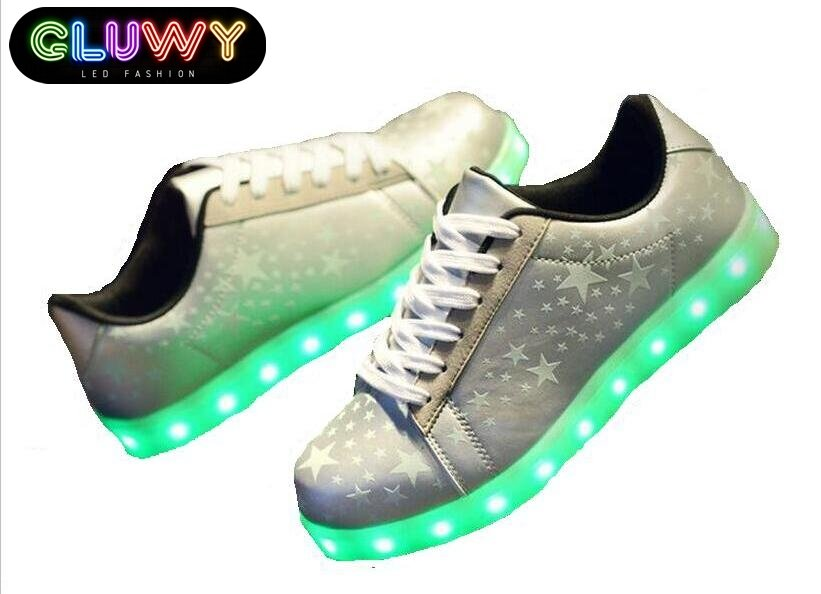 led beleuchtung schuhe silver stars cool mania. Black Bedroom Furniture Sets. Home Design Ideas